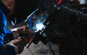 Confined Space – Repair Welder Electrocuted