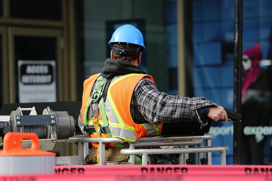 Read more about the article OSHA workplace injury statistics and top 10 violations